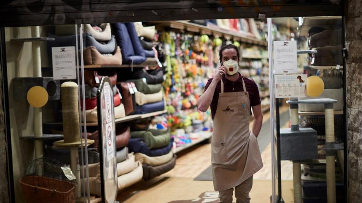 Vox pide eliminar la cuota de autónomos y créditos para el pequeño comercio