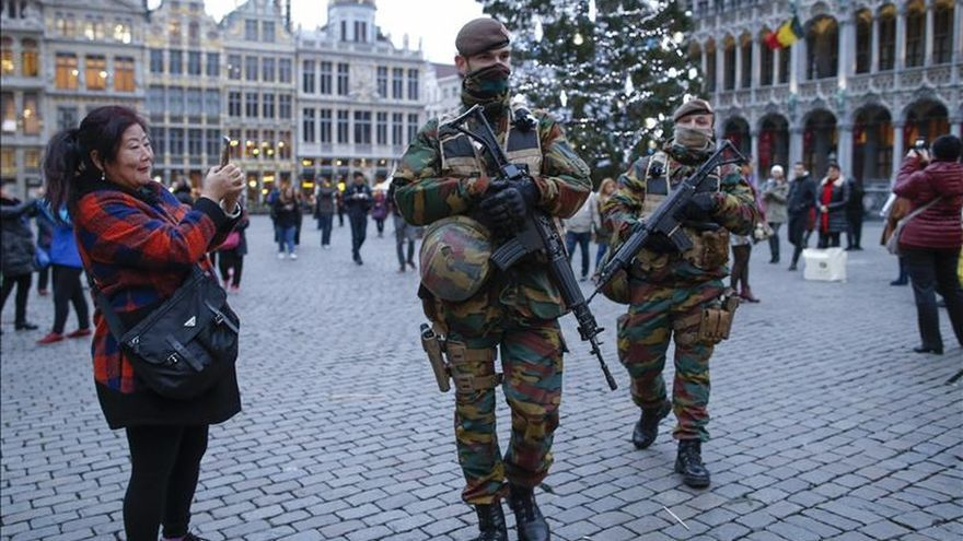 Soldados y policías belgas hicieron una orgía durante la alerta máxima, según varios medios
