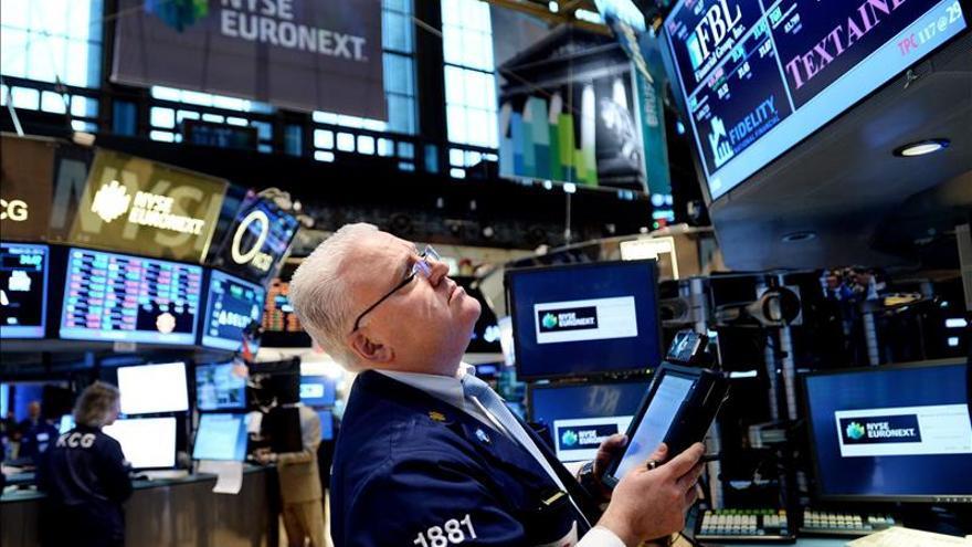Wall Street abre mixto, con un descenso del 0,13 por ciento en el Dow Jones