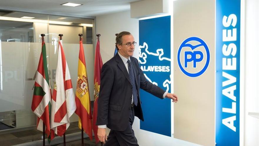 """El PP pide al PNV que no deslice Euskadi por el """"lío"""" de la autodeterminación"""