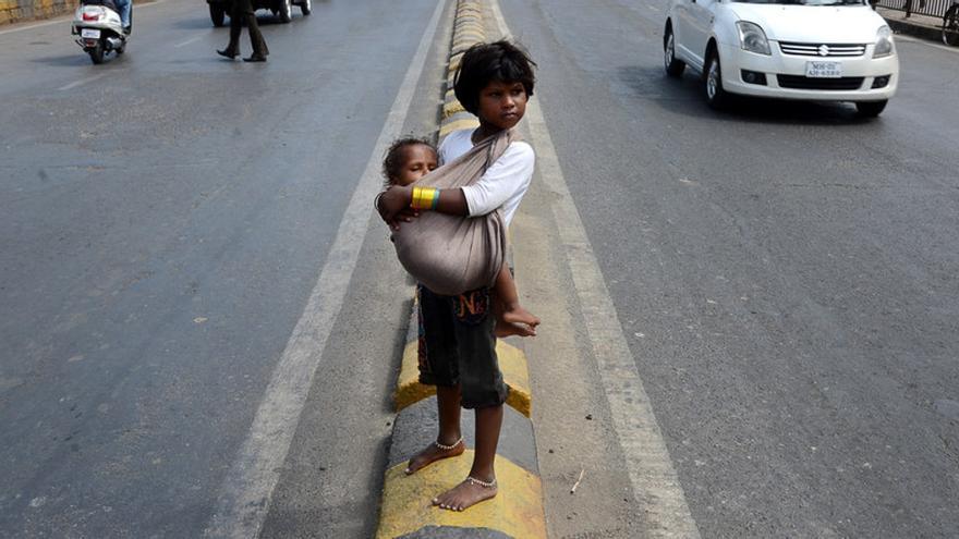 image Niña india de la calle