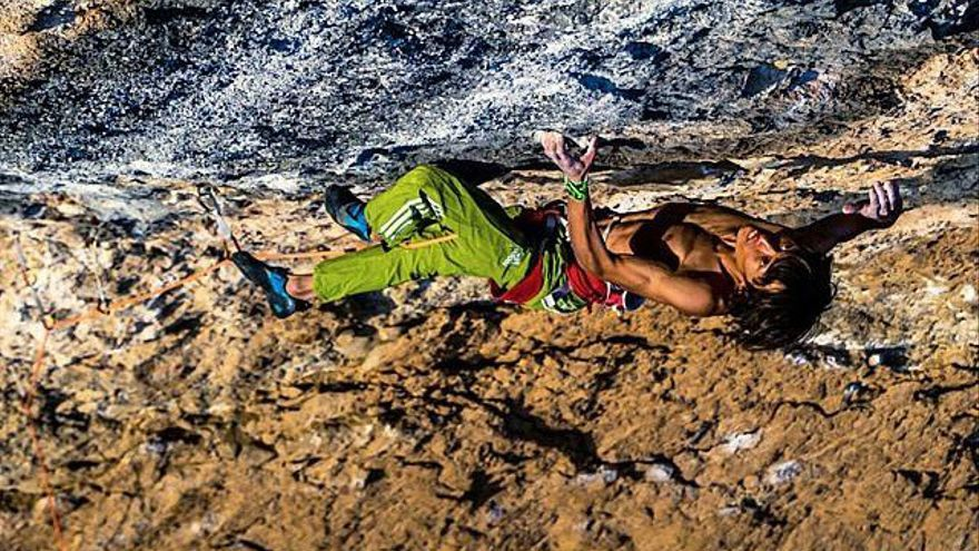 Sachi Amma en 'Fight or Flight' (9b,) en Oliana (© Luka Fonda).
