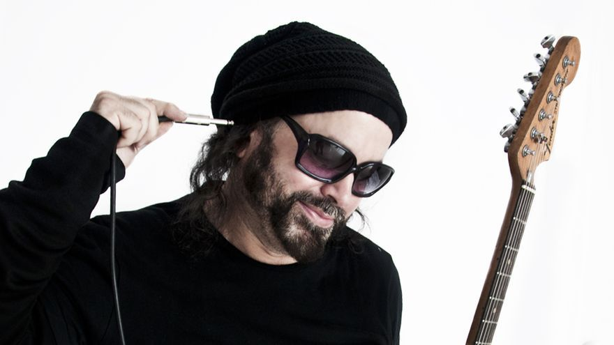 El músico cubano Carlos Varela.