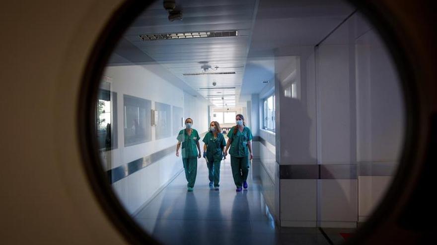 España encadena tres días consecutivos con menos de 300 fallecidos diarios