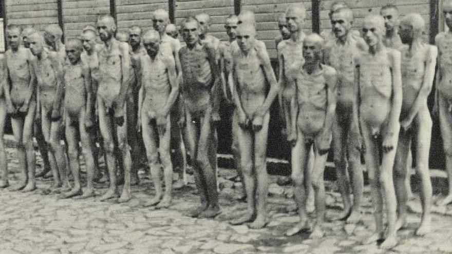 Esta es la foto censurada por Facebook. Prisioneros soviéticos en el campo de concentración de Mauthausen