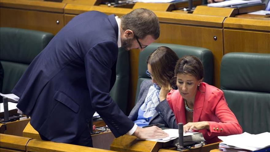 PNV, EH Bildu y PSE plantan al PP en el debate sobre las ayudas sociales