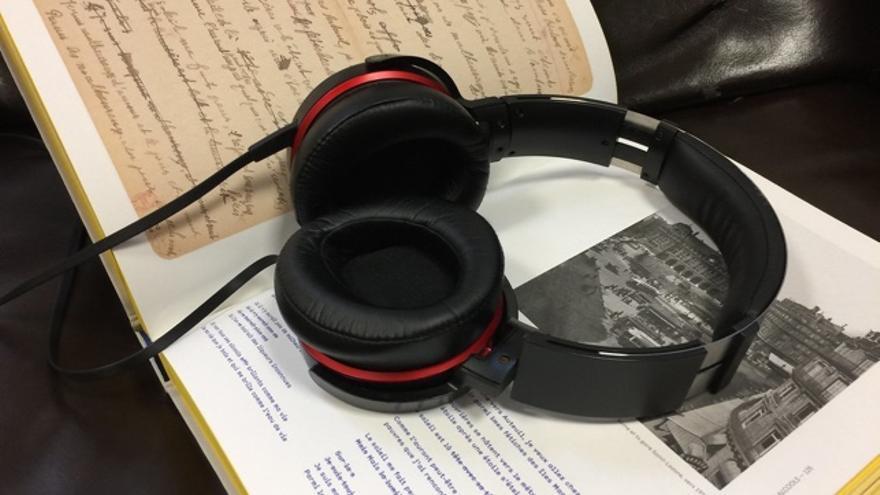 Leer y escuchar un libro, ¿se procesa igual en el cerebro?