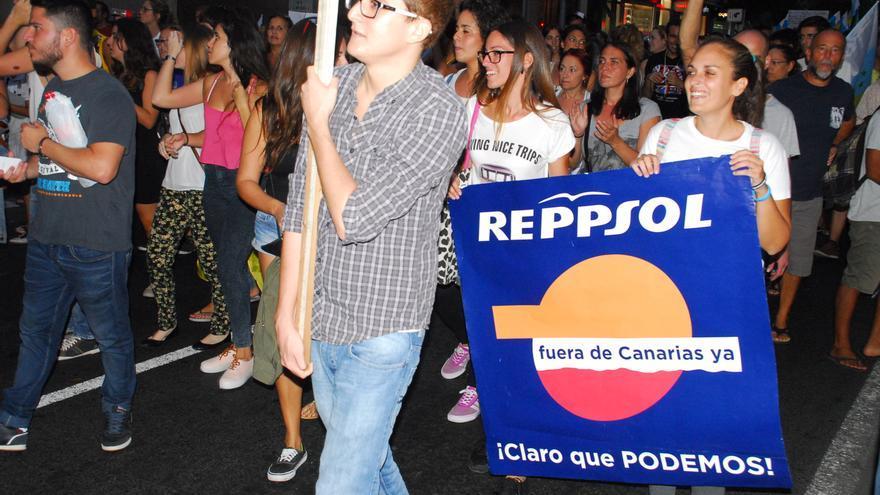 Manifestación contra las prospecciones y Repsol en  Las Palmas de Gran Canaria