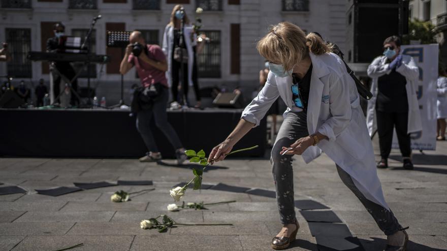 Acto de homenaje a los sanitarios fallecidos por Covid-19