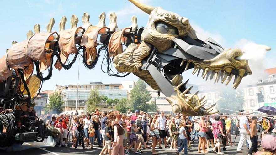 Obra 'Dragonautes', de la compañía Planète Vapeur, que se exhibirá sábado y domingo en el Parque Santa Catalina, enmarcada en el 23 Festival Temudas.