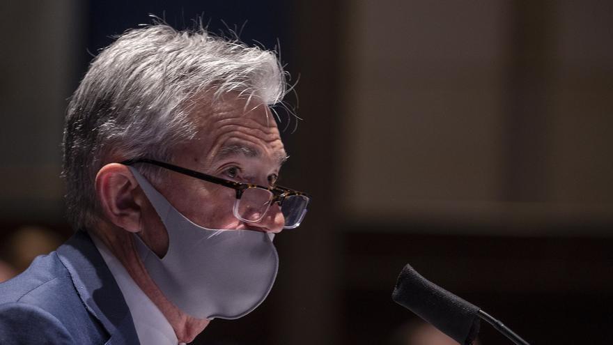 El presidente de la Reserva Federal (Fed), Jerome Powell, testifica ante el Comité de Servicios Financieros de la Cámara sobre la respuesta de su departamento a la pandemia del coronavirus, en el Capitolio en Washington (EE.UU.), este 30 de junio de 2020.