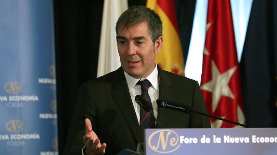 El presidente de Canarias, Fernando Clavijo, durante su interviención en el Fórum Nueva Economía.