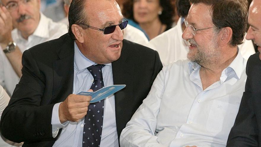 Carlos Fabra y Mariano Rajoy en un mitin del PP en Castellón en 2009. Foto: Domenech Castelló / Efe