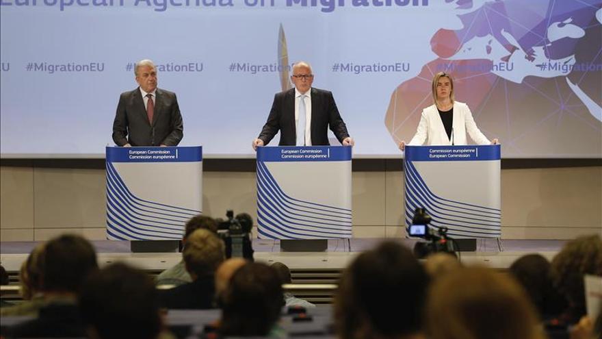La CE propone cuotas de asilo y que la UE absorba a 20.000 refugiados hasta 2016