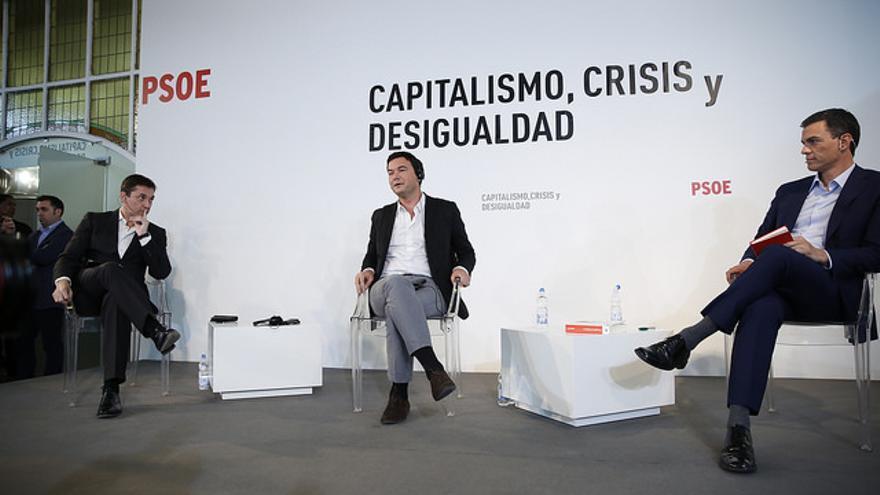 Thomas Piketty y Pedro Sánchez, durante su debate / Flickr del PSOE