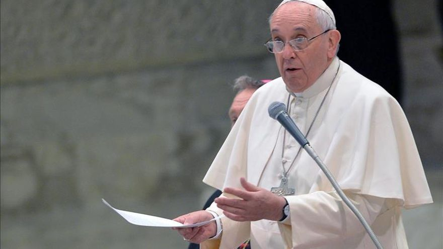 Papa Francisco envía saludo a presidenta argentina por fiesta patria