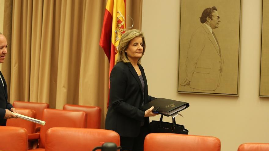 """El Gobierno promete """"más recursos"""" para crear empleo en Canarias ante la queja de una senadora por falta de fondos"""