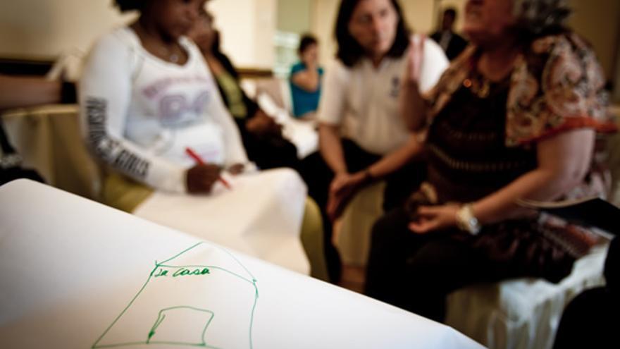 Taller de prevención y respuesta a la violencia de género con mujeres refugiadas en Perú. / ACNUR