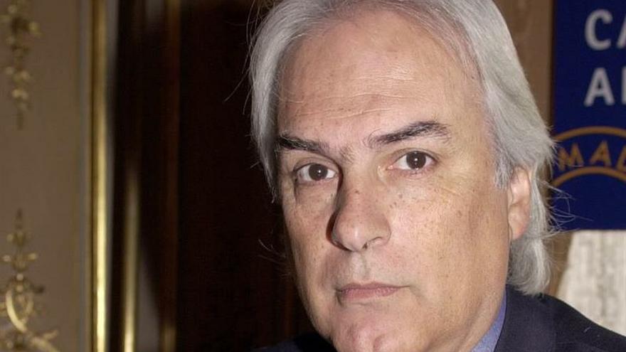 En la imagen un registro del escritor uruguayo Hugo Burel.