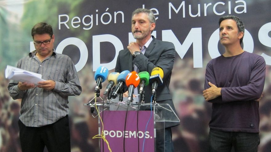 El diputado de Podemos Antonio Urbina renuncia a su escaño en la Asamblea de Murcia y deja paso a García Quesada