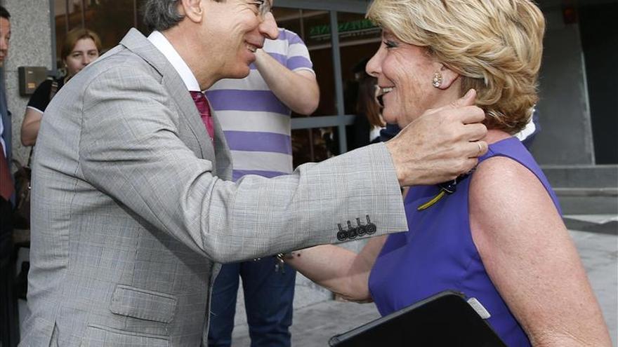 Aguirre asegura que en 30 años no ha cambiado de chaqueta ni se ha disfrazado