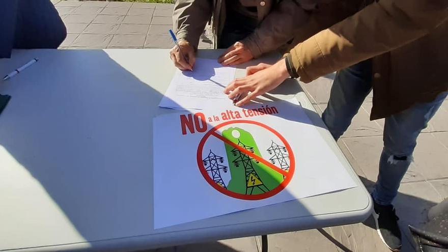 Los vecinos de Albolote ya han recogido más de un millar de firmas