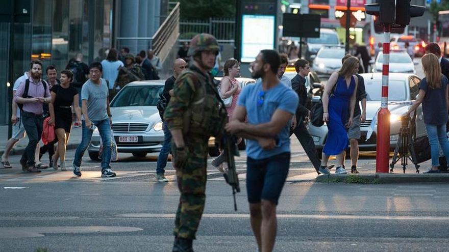 """El ministro belga del Interior asegura que """"se ha evitado lo peor"""" en el ataque en Bruselas"""