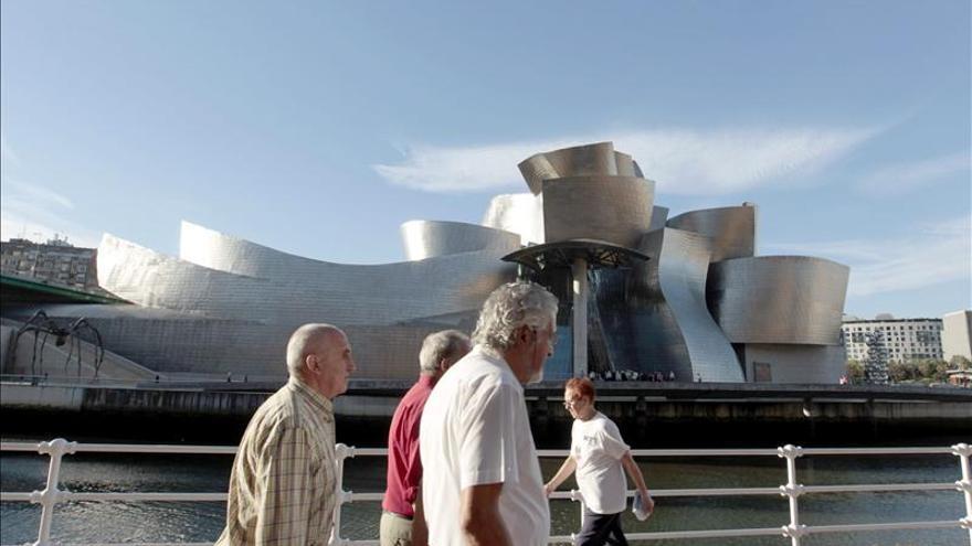 El Guggenheim Bilbao recibió 931.015 visitantes en 2013, un 8 por ciento menos