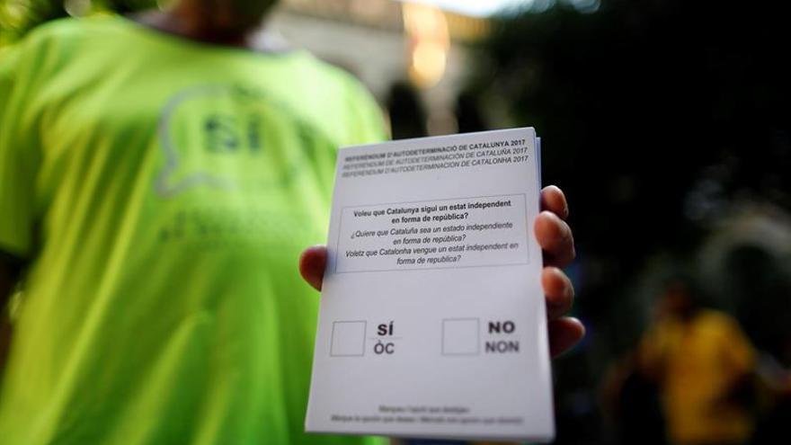 Protección de Datos advierte de multas de hasta 300.000 euros para mesas del 1-O