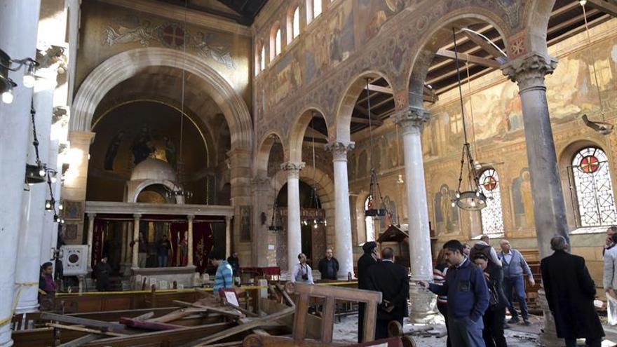 Al menos diez muertos en atentado contra iglesia al norte de El Cairo