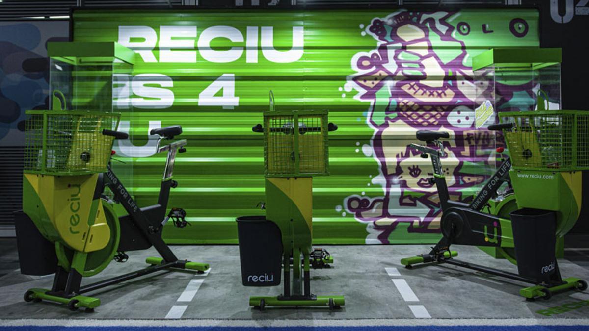 ReciU Bike, se ahorra energía, se ejercita y se recicla.
