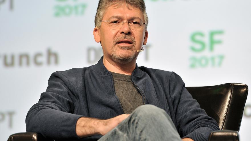 El vicepresidente de ingeniería de Google, John Giannandrea, critica escenarios apocalípticos