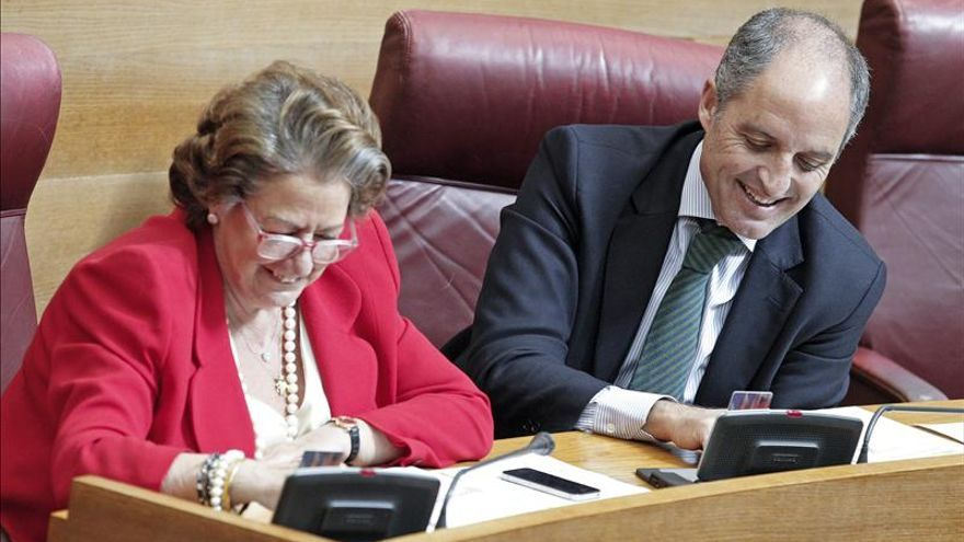 Rita Barberá y Francisco Camps en las Corts Valencianes.