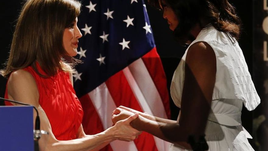 Michelle Obama y doña Letizia expresan su dolor y condena por el ataque de Estambul