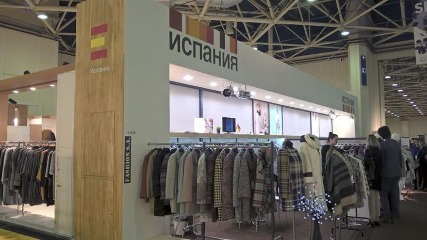 """Las empresas textiles españolas ven """"la luz al final del túnel"""" en Rusia"""