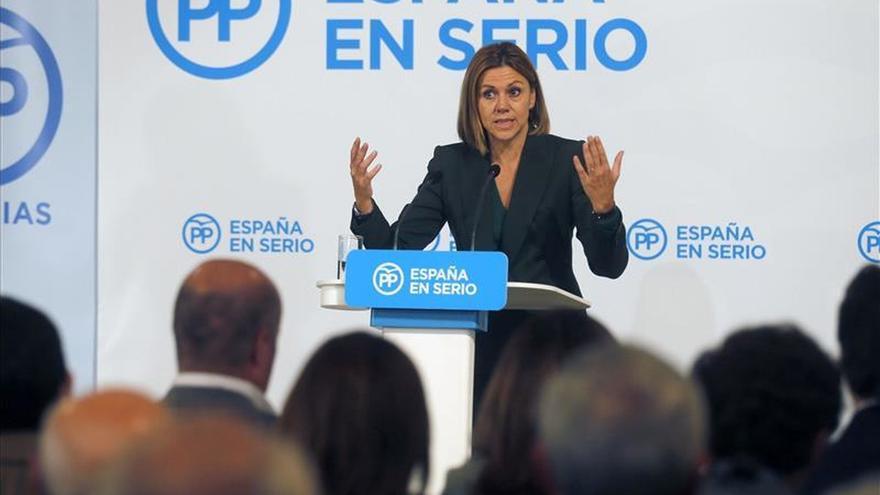 """Cospedal advierte a Mas del """"peligro"""" de situarse """"por encima de la ley"""""""