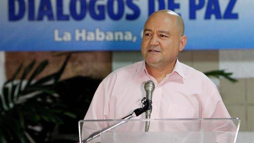 Las FARC acusan a los militares de atacar en Colombia a sus delegados de paz