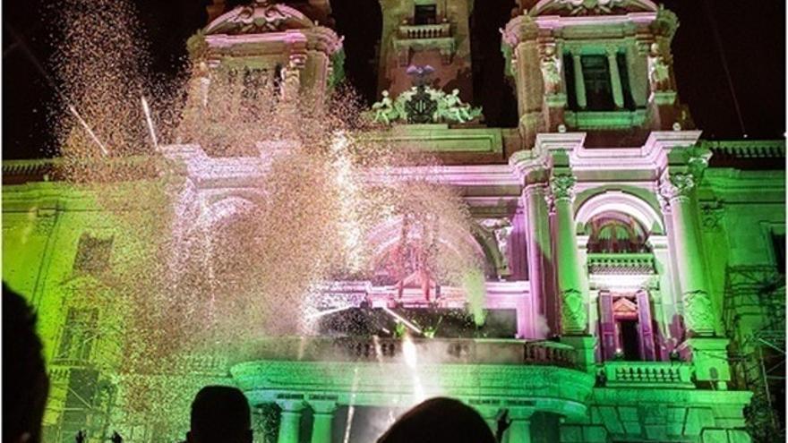 Fiesta de fin de año en la plaza del Ayuntamiento de València
