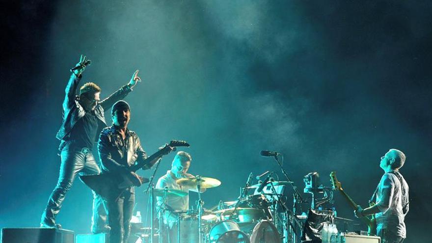Los fans de U2 conmemoran los 40 años del primer ensayo de la banda