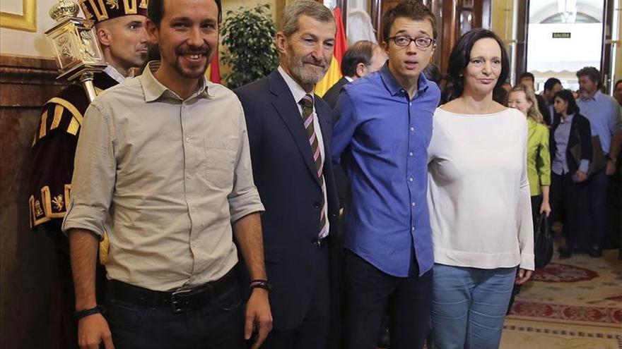 Iglesias emplaza a Rivera a aclarar si apoyaría a Santamaría de presidenta