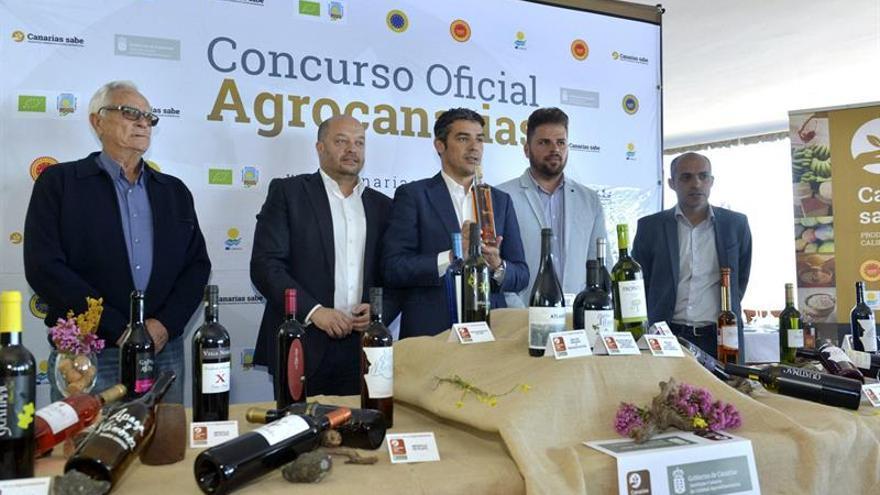 Presentación en El Hierro de los vinos de premiados en Agrocanarias 2017