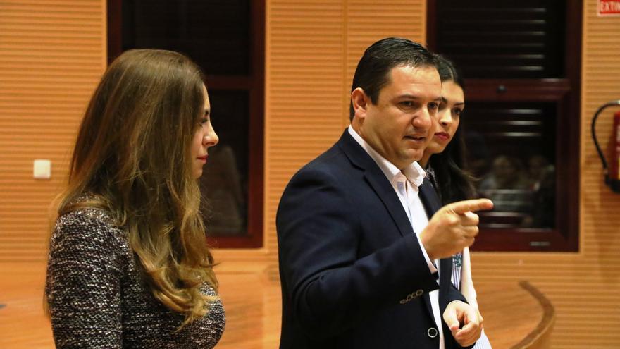 José Julián Mena, alcalde socialista de Arona, en el sur de Tenerife