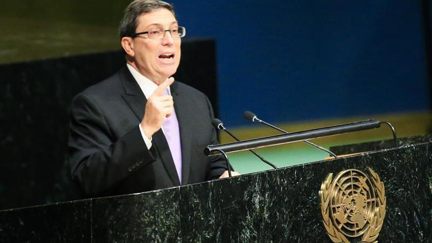 """Cuba piden el fin del embargo de EE.UU., pero ofrece un """"diálogo respetuoso"""""""