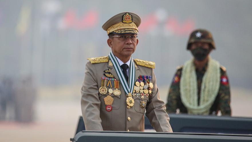Líder golpista birmano regresa al país tras estrechar lazos con Rusia