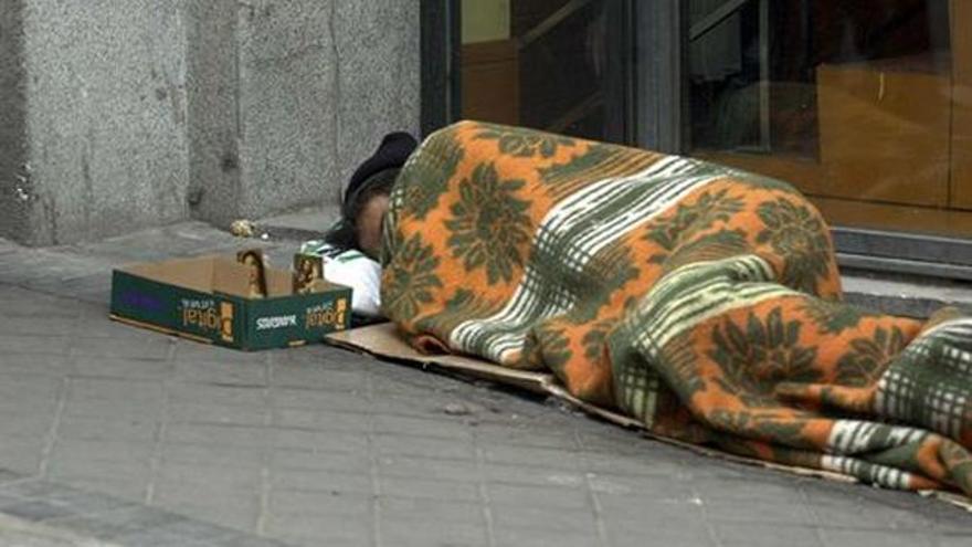 Casi 120 personas llegan a dormir en la calle en Zaragoza algunas noches del año