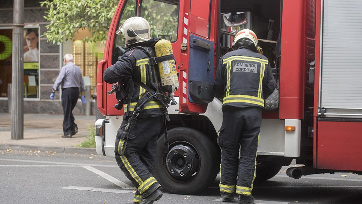 Los bomberos de Córdoba en una intervención.