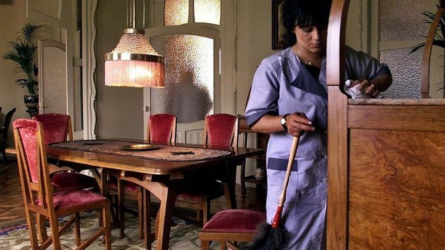 Imagen de archivo de una empleada de hogar.