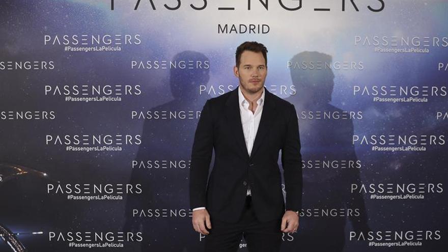 "Jennifer Lawrence y Chris Pratt viven un flechazo galáctico en ""Passengers"""