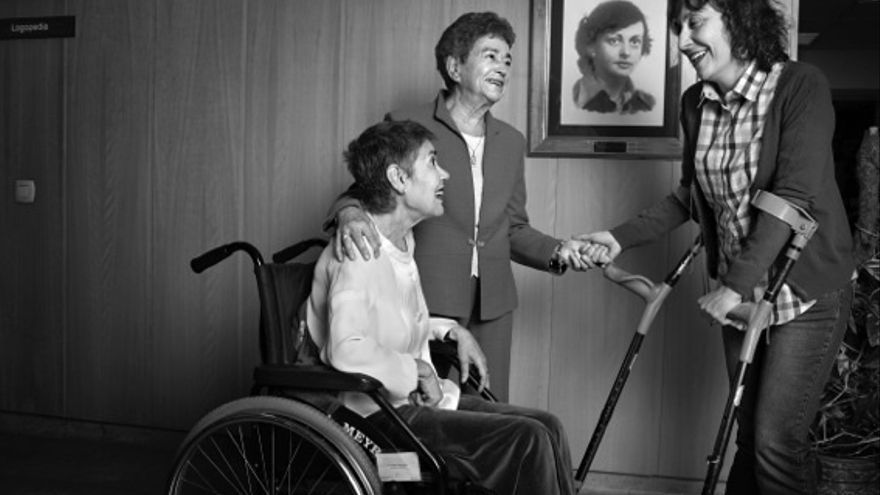 La exposición 'Las 1.000 caras de la Esclerosis Múltiple' se podrá visitar hasta el 15 de octubre en el Ensanche