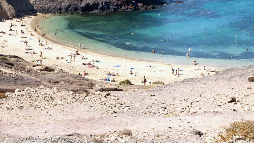 Playas Nudistas Cantabria Mapa.Guia De Playas Nudistas De La Isla De Lanzarote Y La Graciosa